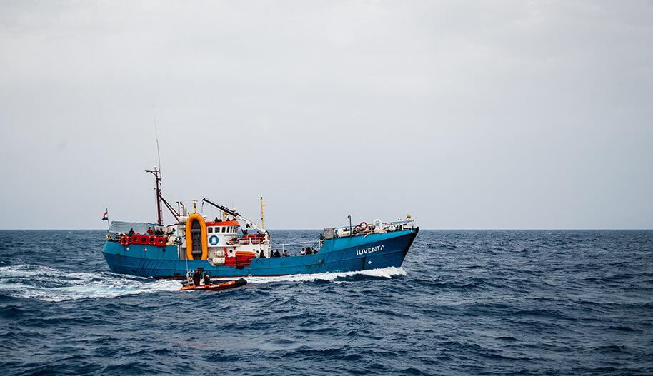 Iuventa-niminen pelastusalus Välimerellä
